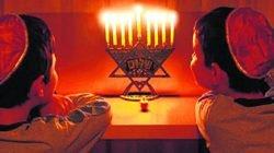 Entre as datas no calendário judaico, o Chanucá é cultuado nas sinagogas e, também, nas casas das famílias praticantes