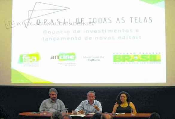Diretores da Ancine durante anúncio de investimentos para produção de cinema e televisão