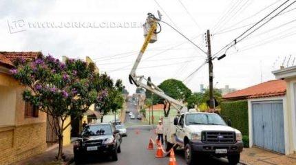 Concessionária Elektro informou que a previsão era que poste fosse trocado na terça-feira (Imagem: arquivo)