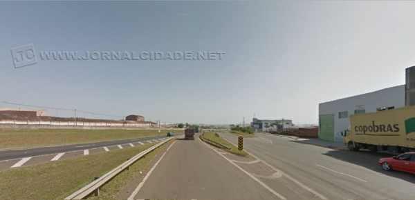De acordo com a solicitação, o alargamento da faixa de acesso à rodovia Washington Luiz seria para evitar acidentes