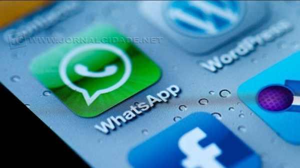 Além de troca de mensagens, o Whatsapp também permite chamadas telefônicas via internet