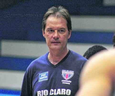 Chuí comandou primeiro treino dia 6 de outubro. Foram três vitórias e 12 derrotas no NBB