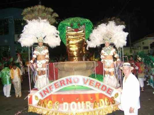 Desfiles de escolas de samba estão mais uma vez confirmados no calendário do Carnaval 2015 em Santa Gertrudes