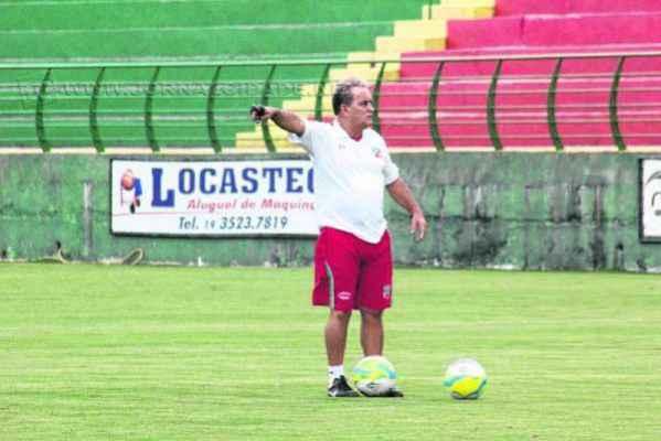 João Vallim em seu primeiro treino após o retorno