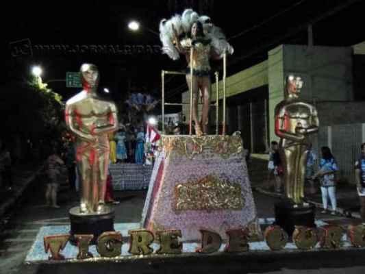 Escola Tigre de Ouro desfila em Santa Gertrudes na programação de carnaval