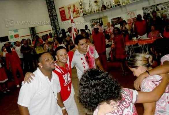 Membros da escola de samba Grasifs