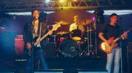 'Incurável Coriza' é a nova música do Garrafa Vazia, grupo rio-clarense que completa meia década de existência