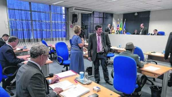 Propositura deu entrada na Câmara nessa segunda-feira, 23, com assinaturas de quatro vereadores rio-clarenses