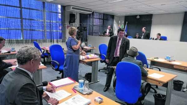 """""""Que projeto é esse?"""", indagou Júlio Lopes (PP) ao ser avisado que o projeto complementar foi apresentado na Câmara"""