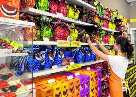 Empresário que tem duas lojas especializadas em produtos derivados do chocolate espera crescimento discreto no período