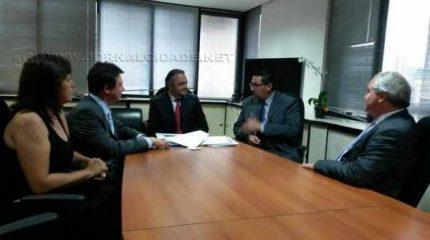 Prefeito esteve na capital e se reuniu com secretário estadual de turismo