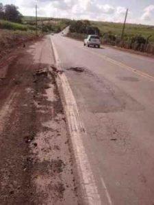 Motoristas reclamam de buracos, mato alto, ondulações na pista, falta de sinalização e manutenção, além da insistente solicitação por duplicação da via