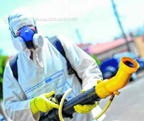 NEBULIZAÇÃO: trabalhos prosseguem com ação de empresa contratada pela Prefeitura
