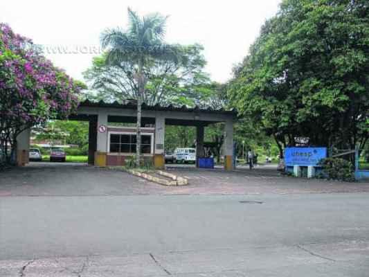 Vista da fachada do campus da Unesp, na Avenida 24-A, número 1.515, bairro Bela Vista, onde serão realizadas as atividades