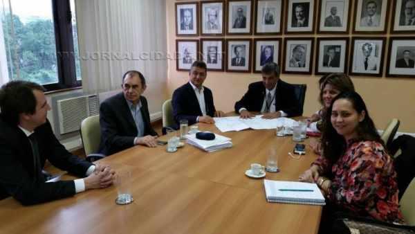Reunião discute ampliação no Hospital São José que pode se tornar um Hospital Essencial, com recursos federais