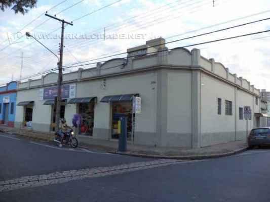 Com 120 anos de experiência no comércio, Casa Timoni é destaque da Rua 1