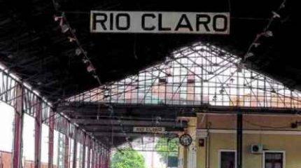 Vista do interior da antiga estação ferroviária, na Rua 1, Centro de Rio Claro