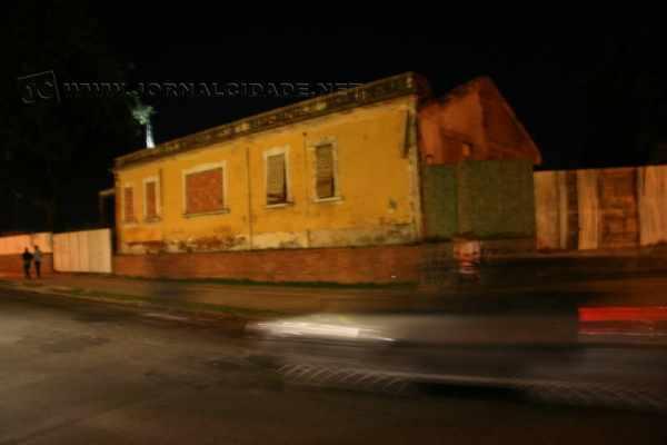 Casa localizada próxima ao antigo pontilhão da Avenida 7 que agora conta com via dupla era habitada pelo engenheiro chefe da Ferrovia
