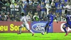 Vitória praticamente garante o Galo Azul na elite do Paulista na próxima temporada