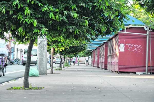 ESTAÇÃO: falta de segurança nos quiosques da Rua 1 motivou insatisfação de artesãos