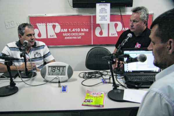 Marcelo Tamião durante entrevista no bloco esportivo do programa Hora da Verdade, da rádio Excelsior Jovem Pan