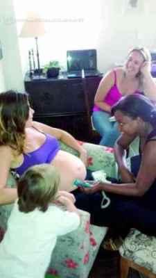Equipe do Parir com Amor fazendo consulta de pré-natal na gestante Ana Elizabeth