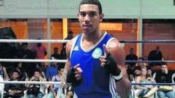 Atleta está na capital Santiago desde o início da semana e enfrentou Aaron Luyo, da Bolívia