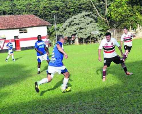 O Cruzeiro, sexto colocado, esbarrou na forte marcação do Cidade Nova/Juventus, que está em 12º, no Distrital do Paulistão