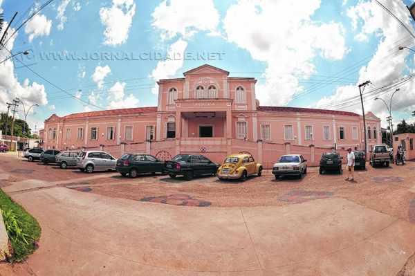 Pavilhão Bettin fica situado no interior da Santa Casa de Rio Claro. Gestante foi atendida pelo Sistema Único de Saúde (SUS)