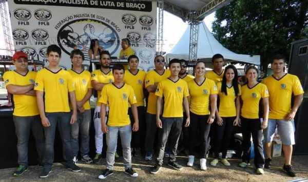 A equipe de Luta de Braço da Secretaria de Esportes e Lazer de Cordeirópolis se destaca na região