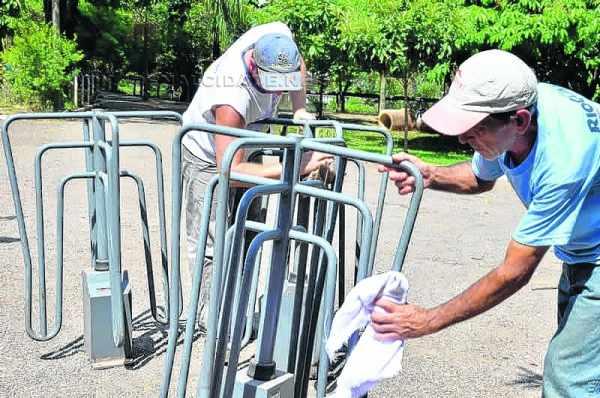 Catracas foram instaladas nas entradas do parque para evitar a circulação de bicicletas