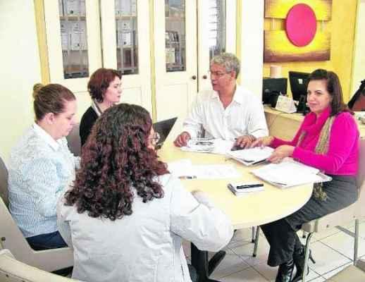 Diretora da DRS-10 reúne-se com membros da Comissão