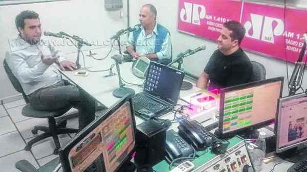 Antonio Archangelo, o professor Renato Elston Gomes e o professor Américo Valdanha Neto, ex-PCdoB