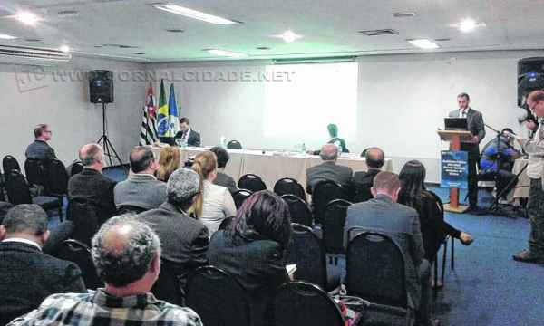 Sessão presencial da audiência pública para discutir com a sociedade a proposta de Revisão Tarifária foi feita em Rio Claro