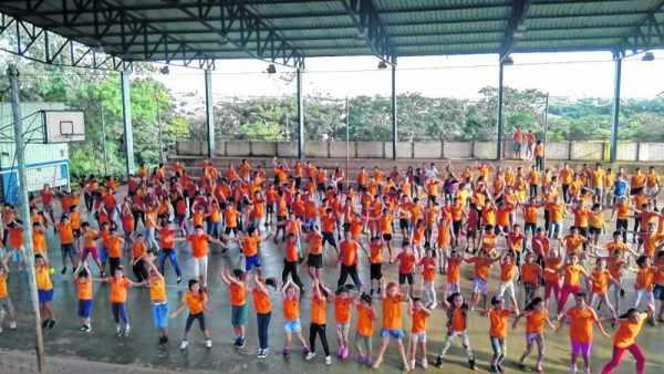 Santa Gertrudes participou com todas as escolas da rede municipal de ensino, escolinhas de esportes, entre outros setores
