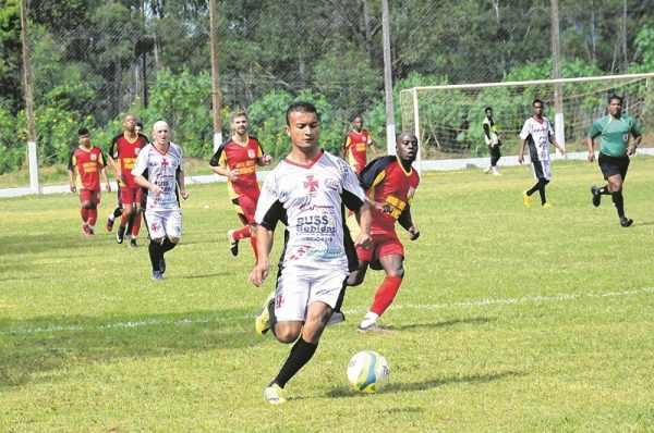 O Vasco goleou o EC Novo Wenzel por 5 a 2 e segue na disputa pela liderança do Grupo B (Foto: Luciano Calligaris Junior)