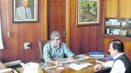 O prefeito Du Altimari (PMDB) e o secretário de Governo, Marcos Pisconti Machado, apostam em consórcio intermunicipal