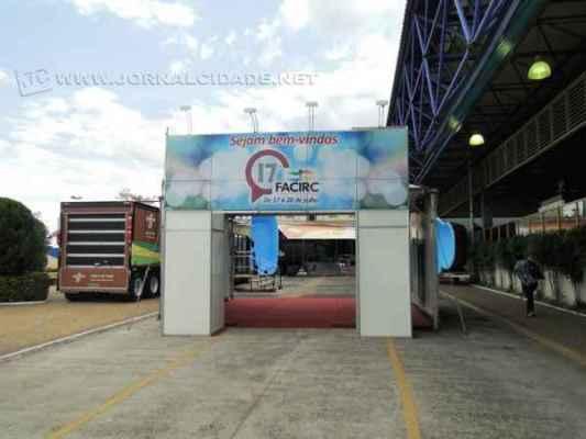 Segundo presidente da Associação Comercial e Industrial de Rio Claro, Antônio Carlos Beltrame, feira não acontece este ano devido ao cenário econômico, mas deve ser realizada em 2016