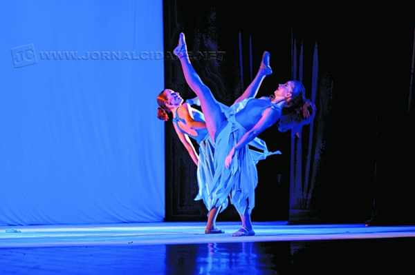 FESTIVAL DE INVERNO: academia de dança realiza apresentações neste domingo (14), às 18 horas, no Centro Cultural