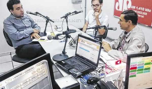 O jornalista Antonio Archangelo, o democrata Murylo Müller Cesar e o vereador Anderson Christofoletti (PMDB)