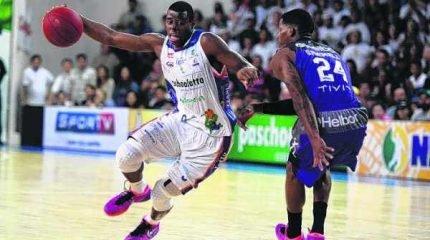 Revelado em Bauru, o ala Gui Deodato disputou sete temporadas do NBB pela equipe