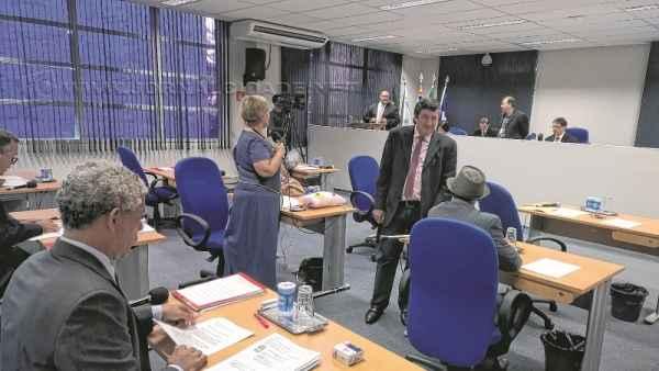 Em primeira discussão, apenas o PSDB e o Democratas votaram contrários ao aumento de cadeiras no legislativo