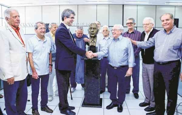 Na foto, diretores da Fundação Ulysses Guimarães inauguram sede do órgão dentro do Núcleo Administrativo Municipal
