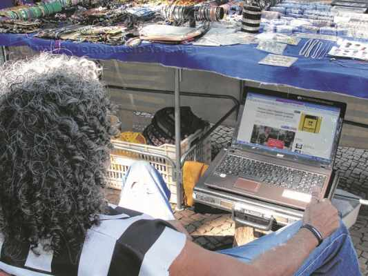 Testes feitos pelo JC comprovam que sinal livre wi-fi funciona e pode ser utilizado pela população para acessar internet