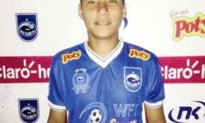 Davidy posa com a camisa do Rio Claro FC e com a camisa da seleção da China (Foto: Reprodução Facebook)