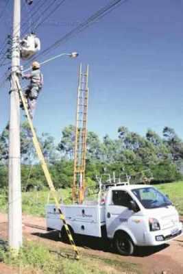 Secretaria de Obras informou que o tipo e a potência das luminárias trocadas na cidade são os mesmos das já instaladas
