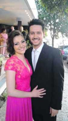 Pesquisadora Claudia Rodrigues ao lado do marido Fernando Gonçalves de Almeida