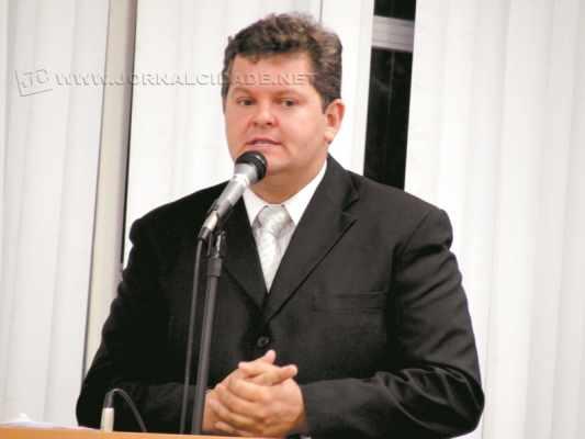 João Teixeira Junior, o Juninho da Padaria (DEM), durante discurso na tribuna da Câmara Municipal de Rio Claro