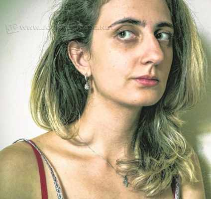 A artista visual Maria Paula