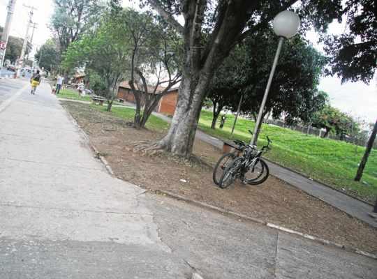 Moradores sugerem instalação de bicicletários na Avenida Conde Francisco Matarazzo, em frente ao Shopping Rio Claro, segundo demandas cadastradas no Plano Diretor de Mobilidade Urbana